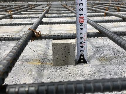 基礎配筋、かぶり圧の確認です。須賀川市北横田|郡山市 新築住宅 大原工務店のブログ