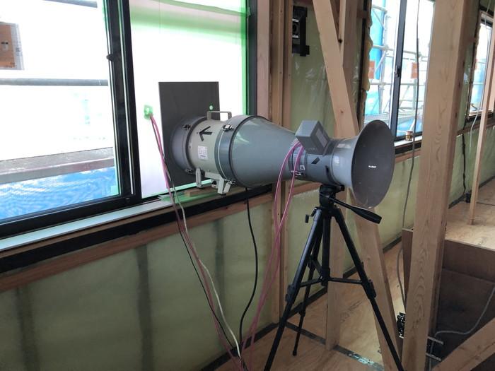 気密測定の機械です。|郡山市 新築住宅 大原工務店のブログ