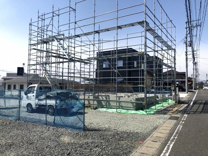 新築注文住宅に足場が設置されました 郡山市安積町  郡山市 新築住宅 大原工務店のブログ