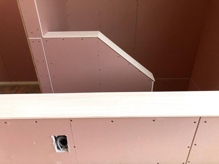 新築住宅の階段手摺壁の塗装です。|郡山市 新築住宅 大原工務店のブログ