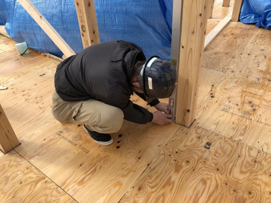 建て方時、必須の下げ振りの確認|郡山市 新築住宅 大原工務店のブログ