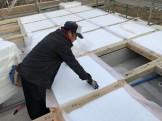 断熱材を入れています。田村郡三春町| 郡山市 新築住宅 大原工務店のブログ
