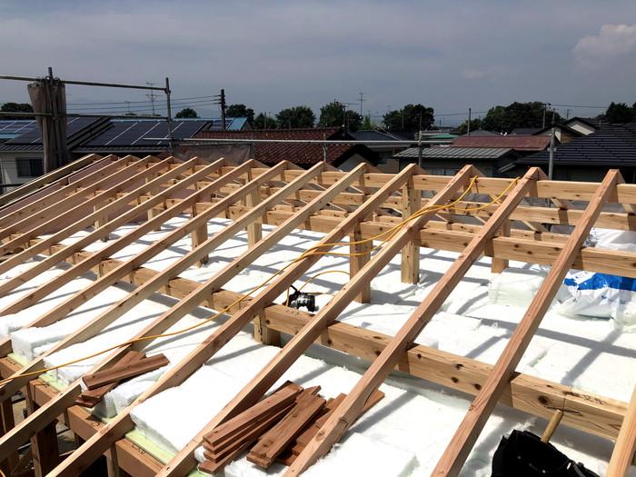 桁上断熱です。|郡山市 新築住宅 大原工務店のブログ
