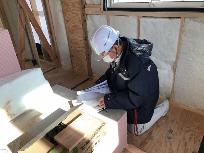 図面を見ながら検査していただきます。郡山市熱海町  郡山市 新築住宅 大原工務店のブログ