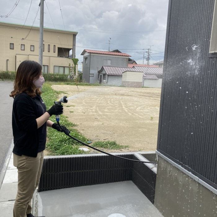 新築注文住宅の外壁掃除をしているところです。郡山市喜久田町| 郡山市 新築住宅 大原工務店のブログ
