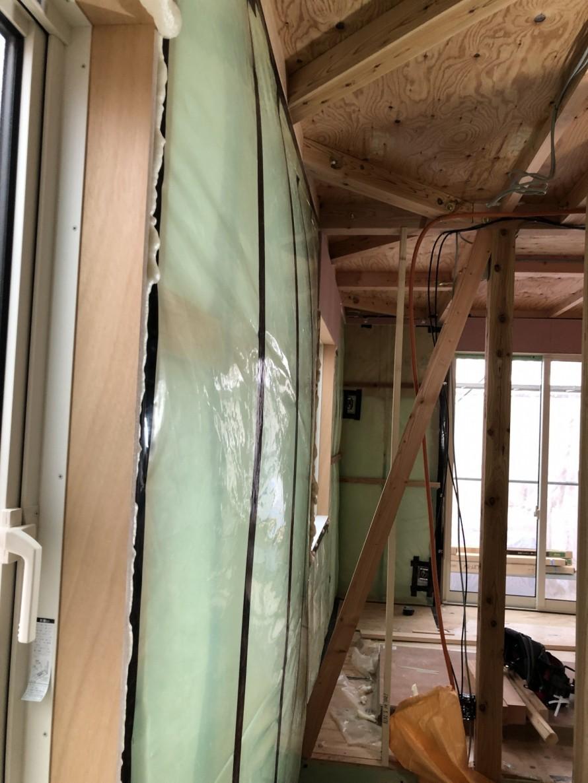 気密測定をすると気密シートがパンパンに。|郡山市 新築住宅 大原工務店のブログ