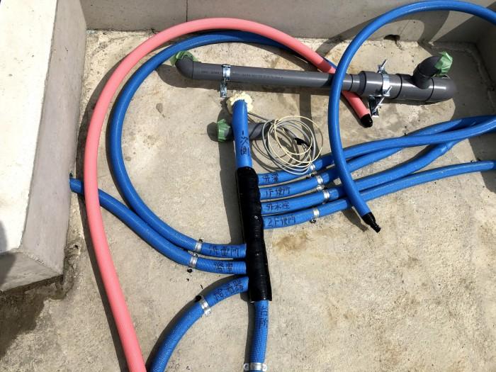 ヘッダー配管の様子です。郡山市片平町|郡山市 新築住宅 大原工務店のブログ