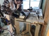 木材を切っている様子です。郡山市熱海町| 郡山市 新築住宅 大原工務店のブログ