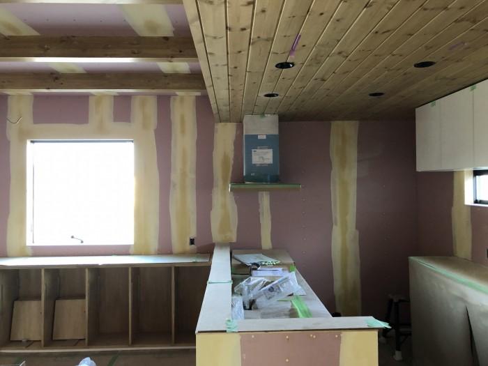 クロスの下地処理をした写真です。須賀川市和田H様邸  郡山市 新築住宅 大原工務店のブログ