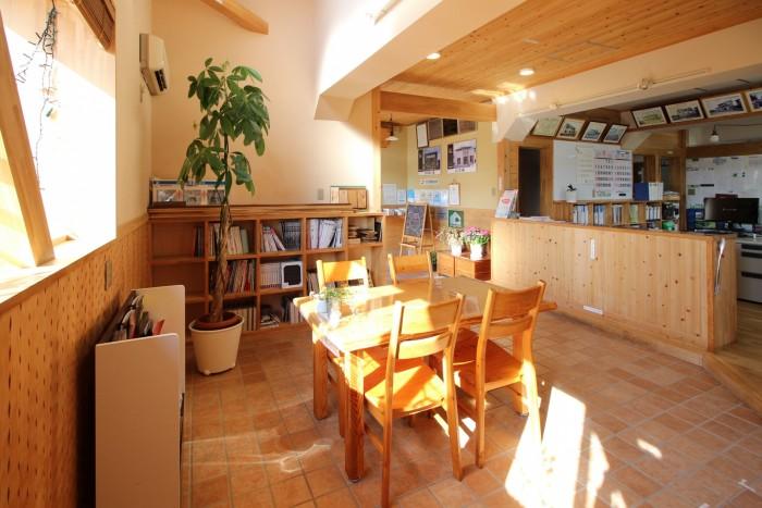 玄関は入ってすぐの、打ち合わせスペースです 郡山市 新築住宅 大原工務店のブログ