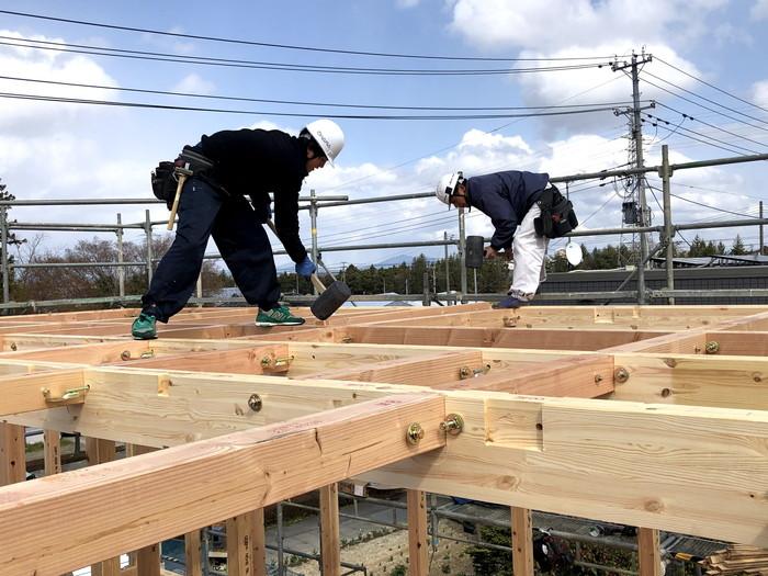 新築住宅の梁の組み上げです。 郡山市 新築住宅 大原工務店のブログ