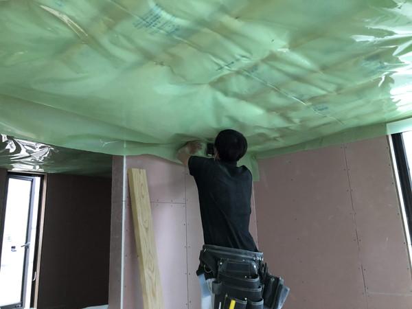 天井断熱の防湿シート施工です。|郡山市 新築住宅 大原工務店のブログ