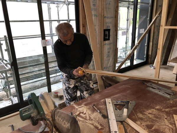 階段手摺の加工です。|郡山市 新築住宅 大原工務店のブログ