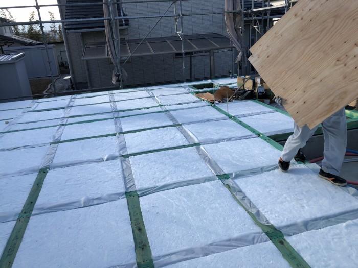 床下の断熱材の施工です。郡山市富田町| 郡山市 新築住宅 大原工務店のブログ