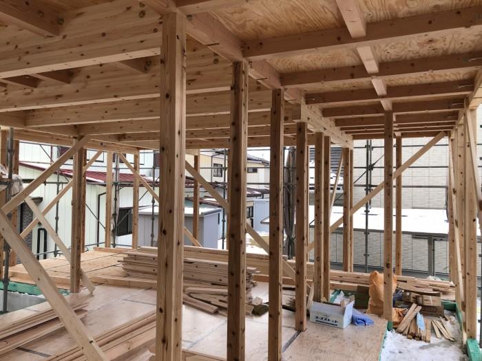 柱や梁が組み立てられます。郡山市富田町| 郡山市 新築住宅 大原工務店のブログ