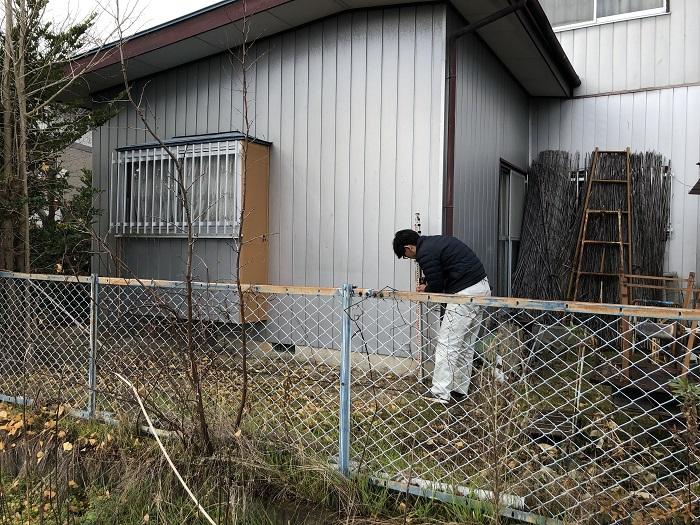 敷地の高さを測っています 郡山市片平町 |郡山市 新築住宅 大原工務店のブログ