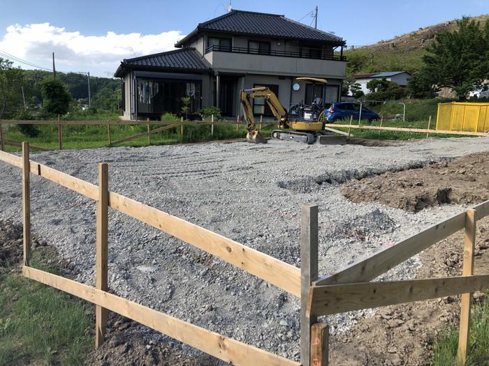 べた基礎の砕石搬入です。|郡山市 新築住宅 大原工務店のブログ