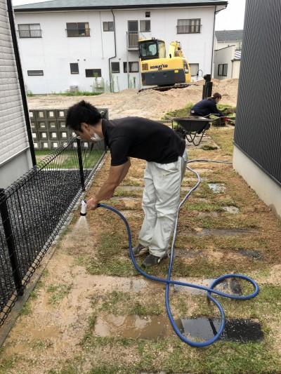 続いて水まきです。|郡山市 新築住宅 大原工務店のブログ