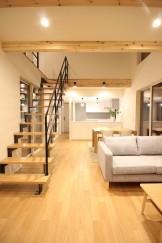 吹抜け+リビング階段がとってもオシャレです。②郡山市富久山町|郡山市 新築住宅 大原工務店のブログ