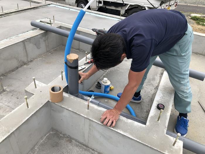 設備屋さんが先行配管です。|郡山市 新築住宅 大原工務店のブログ