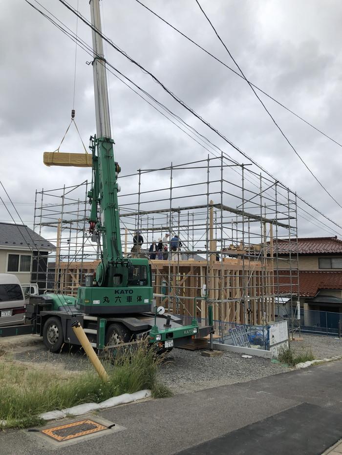 レッカー車で上棟です。|郡山市 新築住宅 大原工務店のブログ