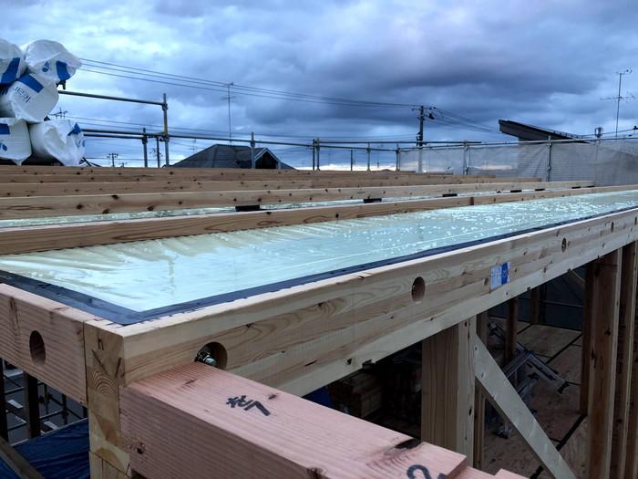 上棟時の気密処理の様子です。|郡山市 新築住宅 大原工務店のブログ