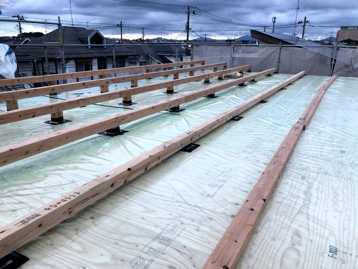 小屋束の気密処理です。 郡山市 新築住宅 大原工務店のブログ