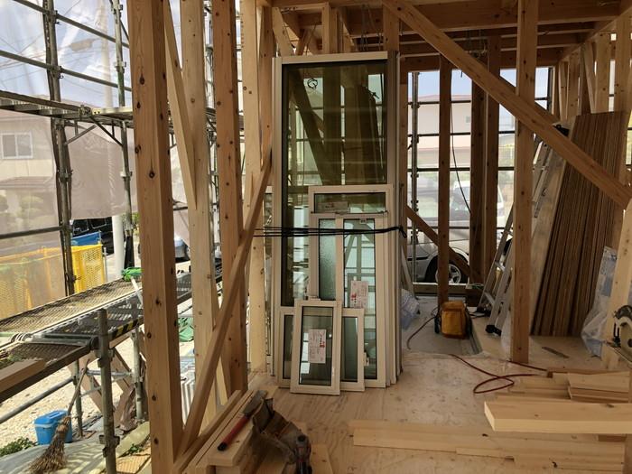 窓ガラス搬入です。|郡山市 新築住宅 大原工務店のブログ
