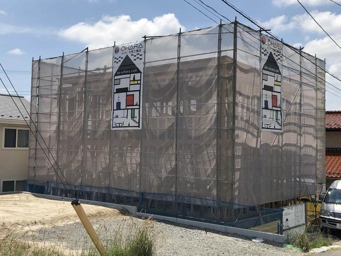 上棟が完了して、足場シートが取り付きました。|郡山市 新築住宅 大原工務店のブログ