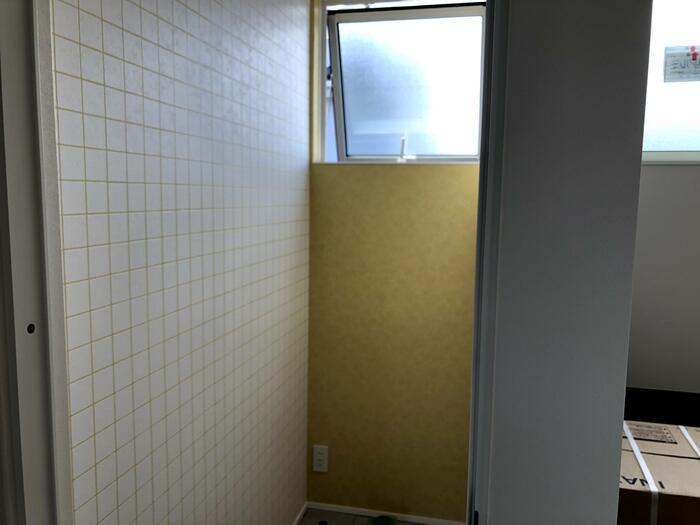 大原工務店で新築注文住宅建築中I様邸、トイレの壁紙が素敵です。郡山市台新| 郡山市 新築住宅 大原工務店のブログ