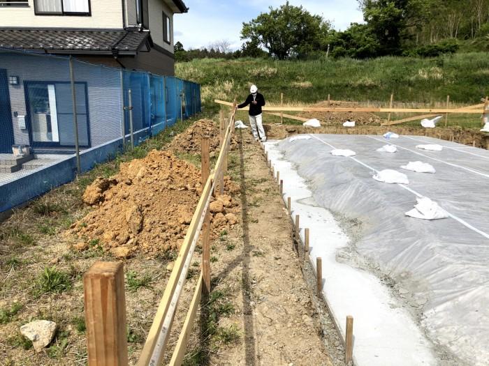 丁張の広さを測っていきます。本宮市|郡山市 新築住宅 大原工務店のブログ
