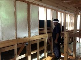 断熱材の充填です 郡山市田村町 |郡山市 新築住宅 大原工務店のブログ