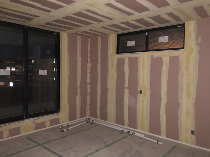 新築のクロス工事パテ処理です。|郡山市 新築住宅 大原工務店のブログ