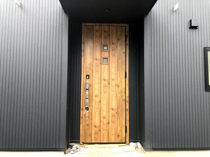 大原工務店で新築注文住宅建築中I様邸、かわいい玄関ドアです。郡山市台新  郡山市 新築住宅 大原工務店のブログ