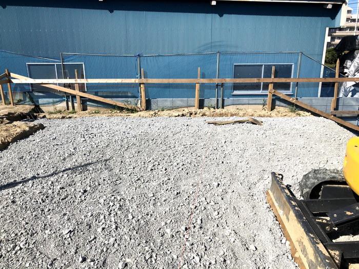 根切りをして砕石をした状態です。|郡山市 新築住宅 大原工務店のブログ