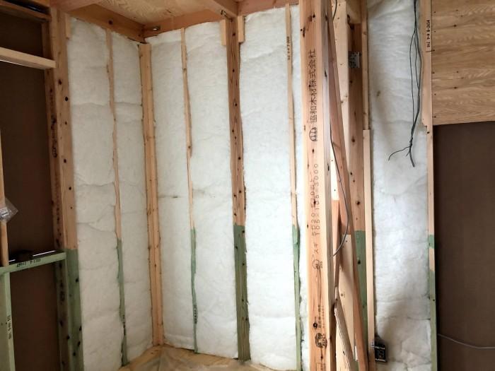 断熱材の充填が終わった様子です。郡山市東原|郡山市 新築住宅 大原工務店のブログ