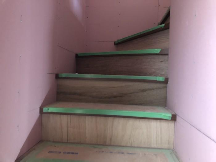 階段の蹴込みの施工です。|郡山市 新築住宅 大原工務店のブログ