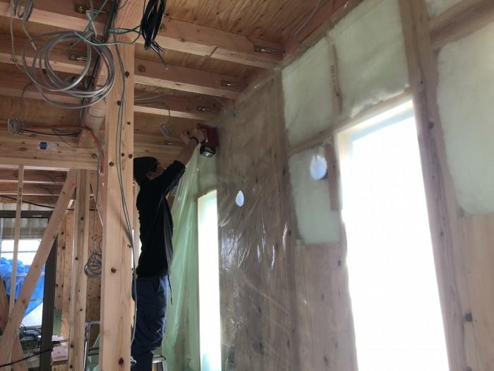 防湿・気密シートの施工です。二本松市|郡山市 新築住宅 大原工務店のブログ