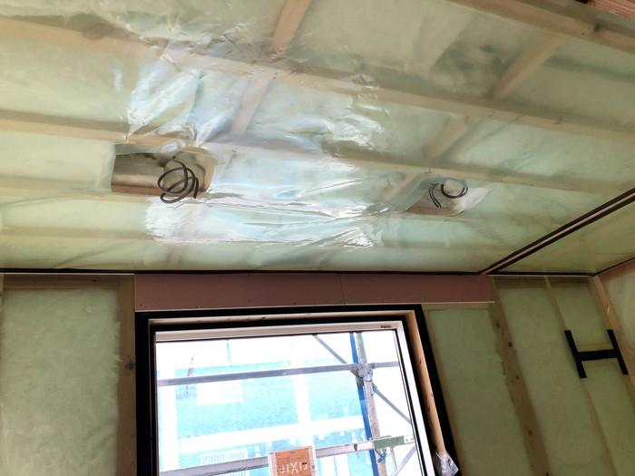 天井断熱部分の気密処理です。|郡山市 新築住宅 大原工務店のブログ