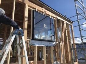 スクエア窓の取付です。|郡山市 新築住宅 大原工務店のブログ