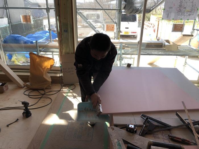 大原工務店で新築注文住宅建築中M様邸、石膏ボードを貼っていきます。須賀川市森宿| 郡山市 新築住宅 大原工務店のブログ