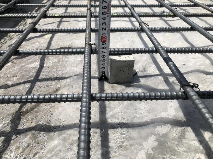 コンクリートのかぶり厚さの確認です。本宮市高木N様邸| 郡山市 新築住宅 大原工務店のブログ