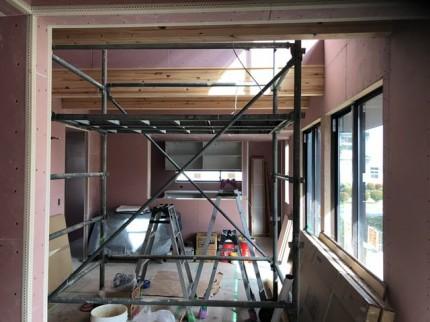 吹抜けの足場です。|郡山市 新築住宅 大原工務店のブログ