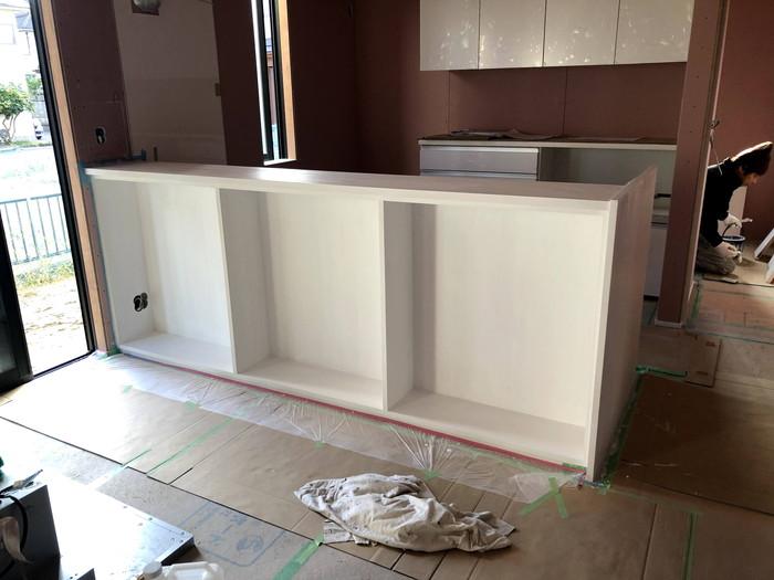 キッチンカウンターの塗装です。|郡山市 新築住宅 大原工務店のブログ