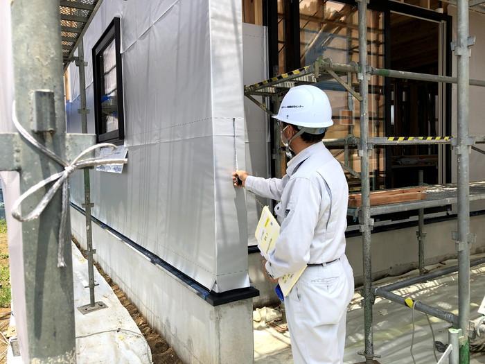 検査している様子です。本宮市高木| 郡山市 新築住宅 大原工務店のブログ