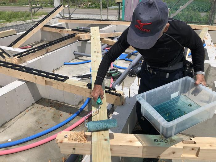 新築住宅の土台の防蟻処理です。|郡山市 新築住宅 大原工務店のブログ