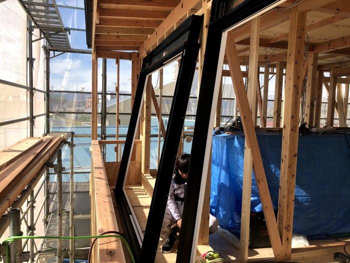 新築住宅のサッシ取付です。|郡山市 新築住宅 大原工務店のブログ