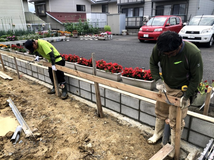 丁張をかけています 郡山市喜久田町 |郡山市 新築住宅 大原工務店のブログ
