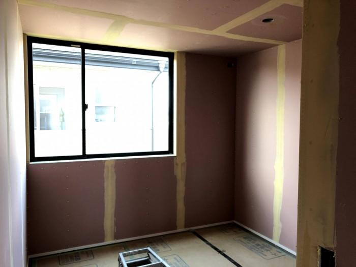 下地を塗ったところです。郡山市片平町O様邸| 郡山市 新築住宅 大原工務店のブログ