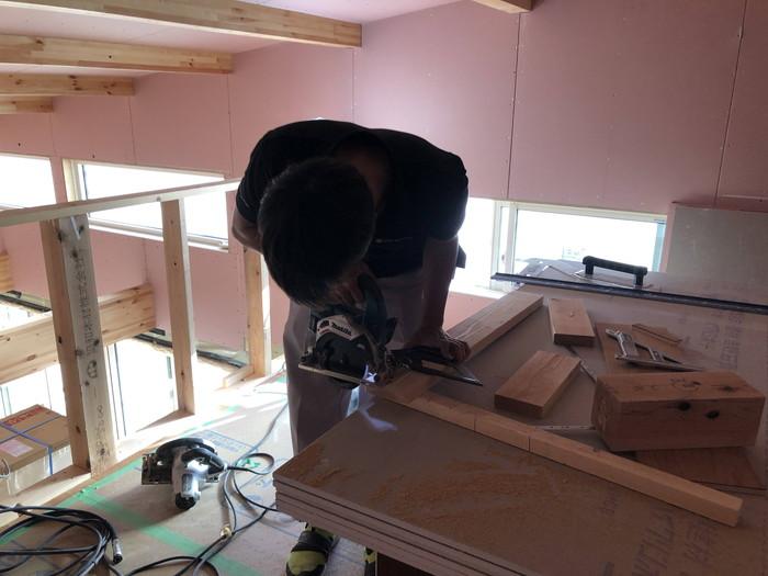 下地材を切っていきます。郡山市田村町| 郡山市 新築住宅 大原工務店のブログ